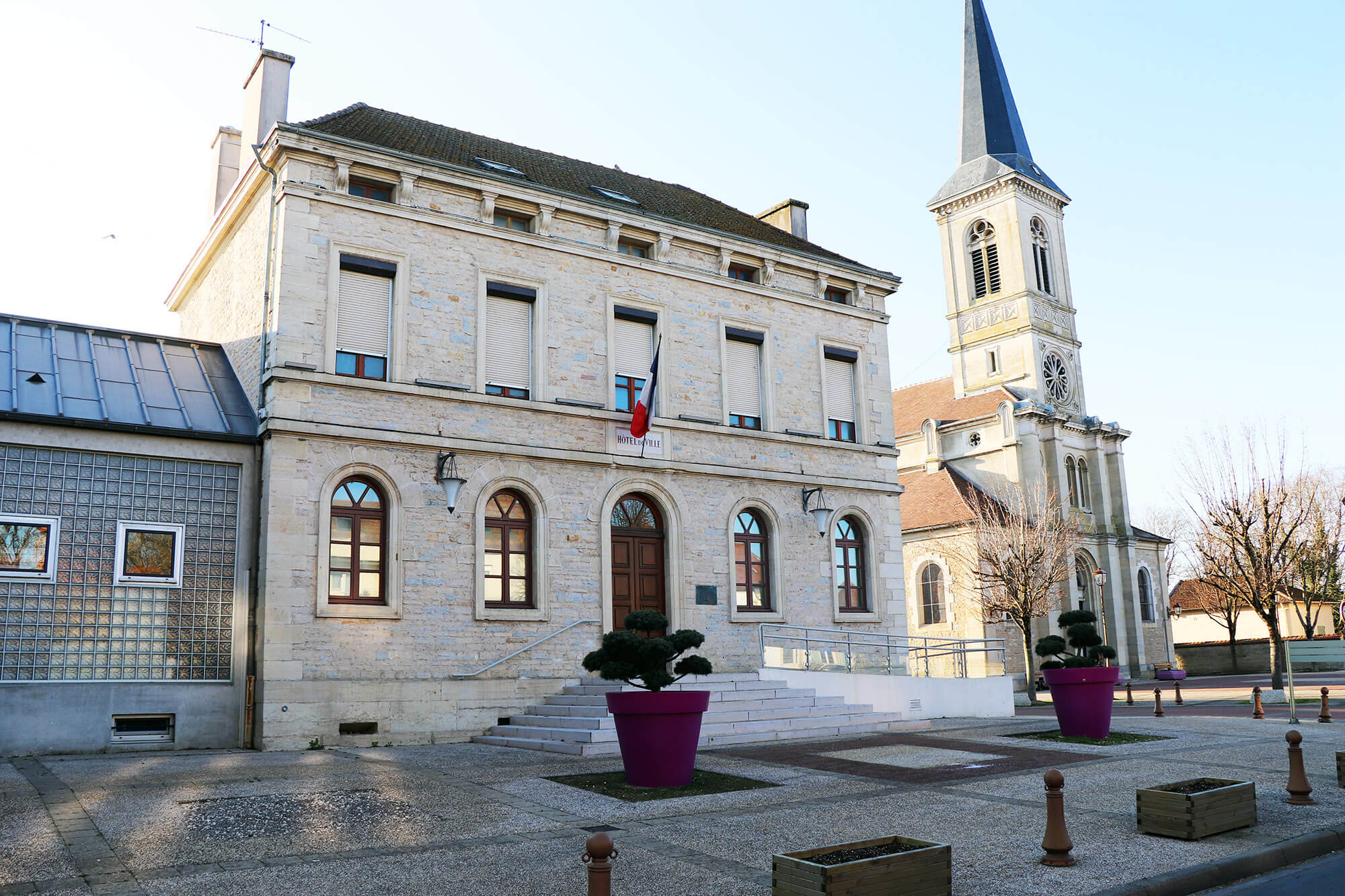 GENLIS_mairie_3