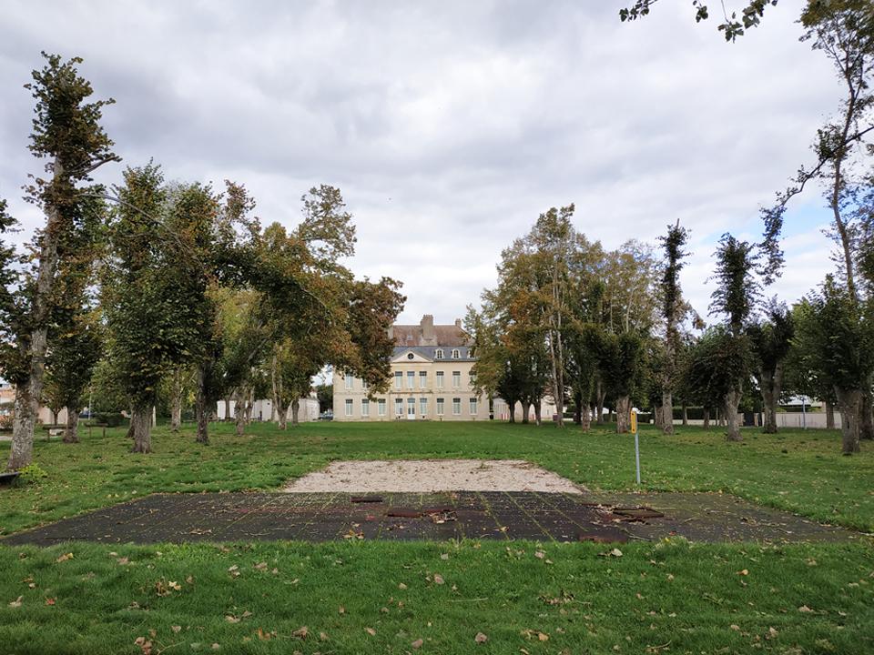 GENLIS_parc_chateau_2_960x720